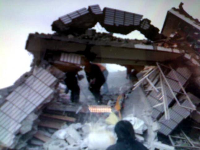 1144 er døde i kinesisk jordskælv - tv 2 nyhederne